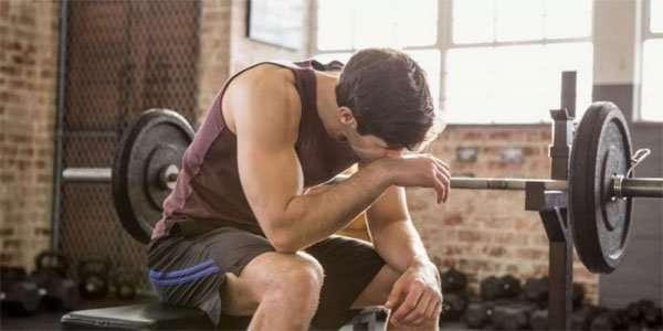7 sinais de que você está treinando demais e por isso não gera