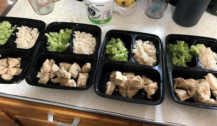 frango brócolis e arroz