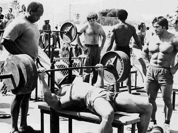 importância dos exercícios com barra ao construir músculos