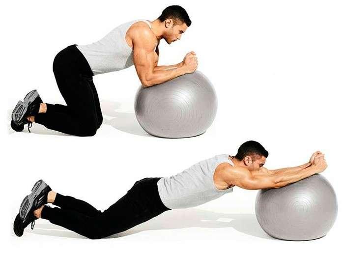 abdominal usando bola medicional (como uma alternativa a roda abdominal)