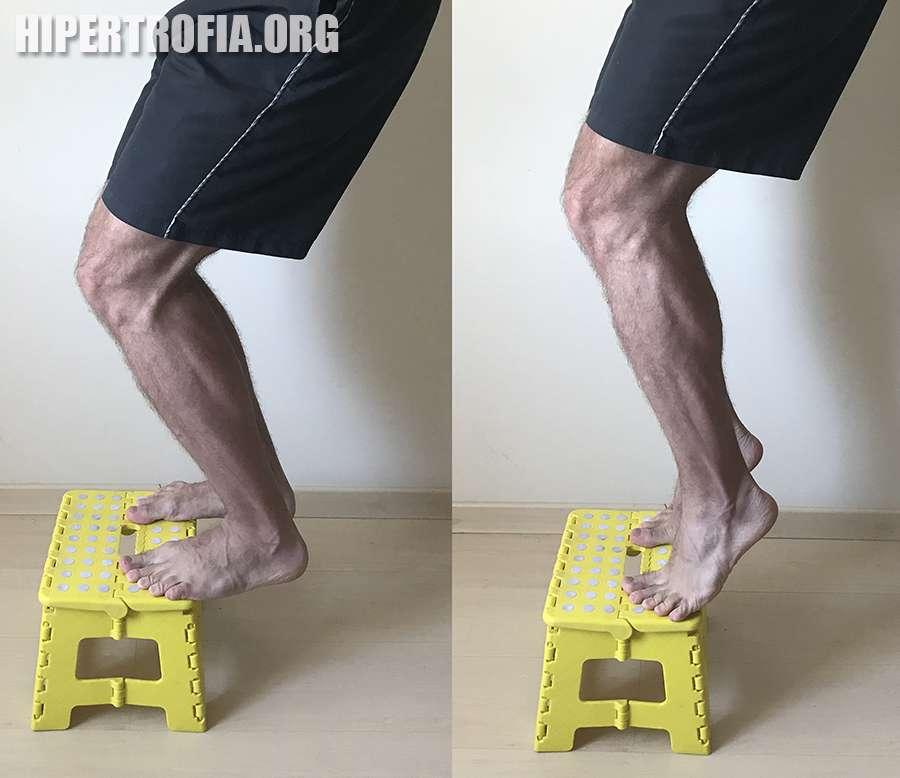 exercício elevação de panturrilhas com flexão de joelho em superfície elevada