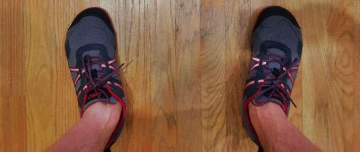 posicionamento dos pés durante agachamento