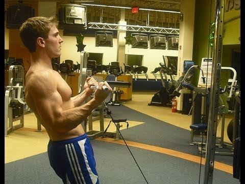 Los mejores ejercicios de polea (con cables) 6