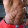 Garoto do biceps gigante